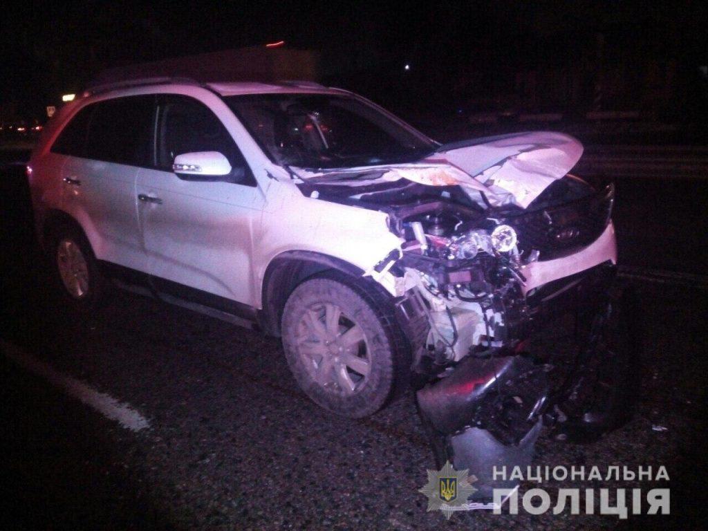 В Київській області позашляховик KIA насмерть збив двох студентів