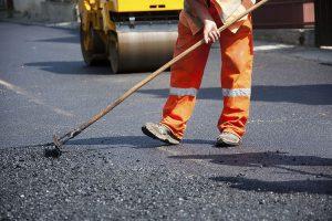 Порушив ПДР - ремонтуй дороги